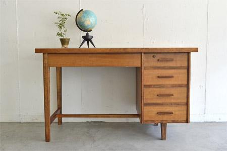 desk02.jpg